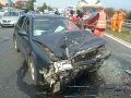 V Košiciach sa zrazili tri autá: FOTO z miesta nehody, hlásia až päť zranených