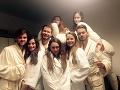 Dominika Žiaranová s hereckými kolegami z SND.