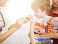 Odmietanie očkovania sa Češke vypomstilo: Jej synčeka hospitalizovali v nemocnici, zdrvujúca správa
