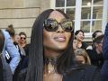 Naomi Campbell sa módnej šou tiež zúčastnila.