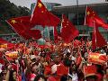 Ulice v Hongkongu sa opäť naplnili: Pročínski demonštranti zorganizovali pochod