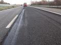 Samoopraviteľný asfalt