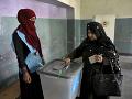 Po voľbách nastala patová situácia: Obaja hlavní kandidáti tvrdia, že vyhrali