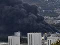 Strach po požiari v chemickej továrni v Rouene: Zamorenie azbestom? Francúzske úrady reagujú