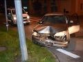 FOTO Mladík s čerstvým vodičákom skončil v Ružomberku v stĺpe: Nafúkal takmer dve promile