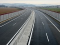 Dobrá správa pre vodičov: Cesty a horské priechody sú zjazdné