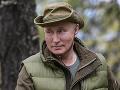 VIDEO Putin oslavuje narodeniny, oddych našiel na Sibíri: Na Kaukaze dostal ulicu