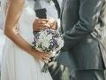 Romantická svadba sa zvrtla na poriadny trapas na FOTO: Mladomanželia, hanbite sa!