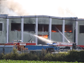 VIDEO Výbuch v závode na spracovanie odpadu zranil deväť osôb: V areáli vypukol požiar