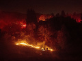 FOTO Lesný požiar pustoší Kaliforniu: Plamene sa rýchlo šíria, polícia evakuuje mesto Moraga