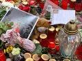 Fanúšikovia si na Božského Káju stále spomínajú a na pietnych miestach zapaľujú sviečky.