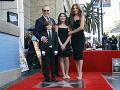Tommy Mottola je úspešný muž. Jeho najväčšou pýchou je vydarená rodina.
