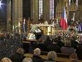 S Karlom Gottom sa lúčili pozvaní hostia v katedrále Pražského hradu.