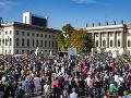 FOTO Tisícky ľudí sa zhromaždili v Berlíne: Demonštrovali proti antisemitizmu a násiliu
