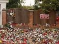 Fanúšikovia už vedia, kde budú môcť zapaľovať ďalšie sviečky. Karel Gott bude odpočívať na cintoríne v pražských Malvazinkách.
