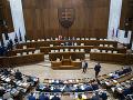 Posledné rokovanie poslancov by mohlo byť v decembri, vylúčený nie je ani január