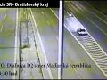 Policajná hádanka: Vodič (21) vpálil do zvodidiel, uhádnete, čo robil pred osudným momentom?