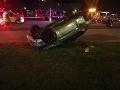 FOTO Vážna dopravná nehoda: Sedemnásťročný vodič zranil dve maloleté dievčatá, ktoré stáli na chodníku