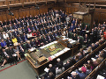 Škandál vo Veľkej Británii: Polícia vyšetruje údajné podplácanie parlamentných kandidátov