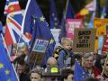 Protest proti odchodu Británie z EÚ