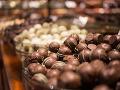 Roman (69) zjedol v poľskom obchode slivku v čokoláde: Nestačil sa čudovať, ako ho potrestali