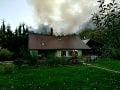 V Kremnici podpálili rodinný dom: Škoda za asi 120-tisíc eur, nájdeného muža zachránili