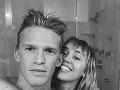 Miley Cyrus a jej aktuálny milenec Cody Simpson.