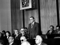 Mimoriadna schôdza SNR, 30. novembra 1989, Bratislava. Na snímke novozvolený predseda SNR Rudolf Schuster pri vystúpení.