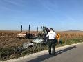 Dramatické ráno pri Topoľčanoch: FOTO Pri zrážke s nákladiakom sa zranila mladá vodička
