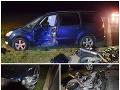 FOTO nešťastí pri Nitre: Motorkár kvôli chybe zomrel, vodič mercedesu zas v snahe o únik zdemoloval okolie