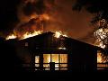 FOTO Kaliforniu naďalej sužujú ničivé požiare: Svoje domovy musí opustiť najmenej 40-tisíc ľudí