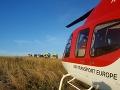Vozidlo dopravnej zdravotnej služby sa prevrátilo, pomáhali aj leteckí záchranári