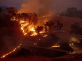 VIDEO Lesné požiare naďalej pustošia Kaliforniu: Rozšírili sa už aj do oblasti Los Angeles