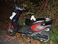 Mladík nemal vodičák a osvetlenú motorku, chodec zas reflexné prvky: FOTO Skončilo sa to zrážkou