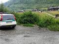 V osade v Hranovnici došlo ku konfliktu medzi skupinami ľudí: Napadli dokonca aj políciu