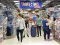 Úchylné prekvapenie v hračkárstve: Zákazníci zašli do uličky a ostali zdesení