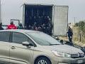 Nečakaný nález gréckej polície: V chladiarenskom aute bolo 41 mužov a chlapcov