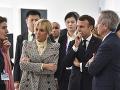 Macron na návšteve Šanghaja: Slávnostne otvoril pobočku parížskeho múzea moderného umenia