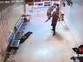 Extrémne nebezpeční väzni ušli aj s okovami na nohách: VIDEO Polícia ich chytila pri hraniciach