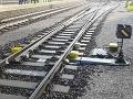 Mladíka (19) zrazil vlak, keď ho fotografoval: Po zrážke ostal odhodený v blízkosti trate