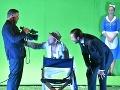 Zľava Juraj Zetyák ako Freddy Eynsford Hill, Michal Soltész ako Alfred Doolittle, Marek Geišberg ako Henry Higgins a Henrieta Kecerová ako Pani Pearceová vnovej inscenácii slávnej hry Pygmalion vŠtátnom divadle Košice