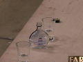 Na statku sa napriek zákazu objavila fľaša pálenky.