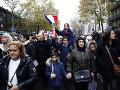Moslimovia vo Francúzsku demonštrovali proti islamofóbii, politici ich kritizovali