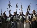 Raketový útok otriasol Jemenom: Najmenej päť vojakov prišlo o život