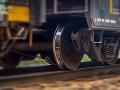 Smrteľná tragédia na koľajniciach: Vlak zrazil človeka, premávka je prerušená