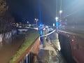 MIMORIADNA SPRÁVA Prekliaty deň pokračuje! Rieka pri Revúcej strhla tri ženy: Záchranári našli prvé telo