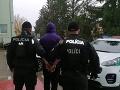 Polícia zastavila v Pochabanoch auto: FOTO Podozrivé správanie spolujazdca, musel ísť s pravdou von