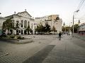 Na snímke budúce Námestie Nežnej revolúcie, spodná časť Námestia SNP pred Starou tržnicou v centre mesta.