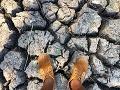 Extrémne suchá zem v