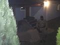 PRÁVE TERAZ Policajti zasahujú v Čadci, FOTO razia kvôli nedovolenému ozbrojovaniu
